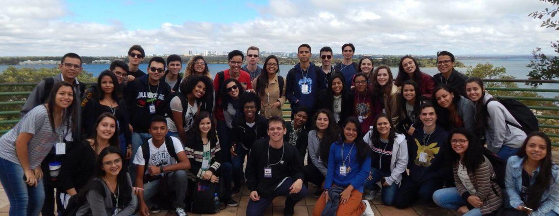 120 alunos da rede pública participam de imersão em inglês em Brasília