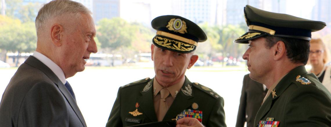 O Secretário de Defesa dos EUA James N. Mattis Visita Brasília e Rio de Janeiro